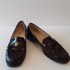 Anne Klein of comfort brown patent loafers